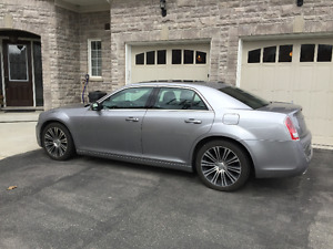 2013 Chrysler 300S Very Low Kms!  Excellent Condition