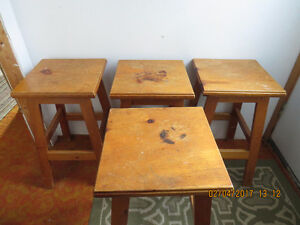 SOLID PINE BAR STOOLS