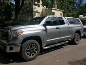 2014 Toyota Tundra, MINT condition
