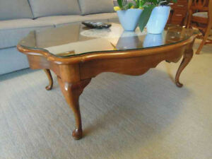 Glass-topped Queen Anne-style Coffee Table
