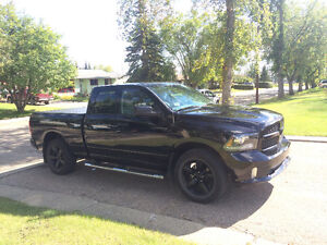 2014 Dodge Ram 1500 (low kms, mint)