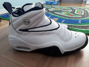 nike basketball shoes *brand new*