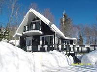 Chalet ou maison avec acces lac Cristal