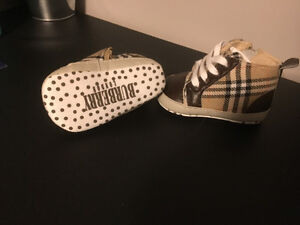 BURBERRY Soft sole