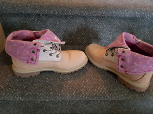 Size 7 women's Timberland boots