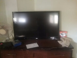 """Selling my 42""""inch 3D smart tv with 120 hz display"""