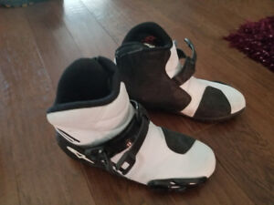 Alpinestar motorcycle boots 10.5 - great condition