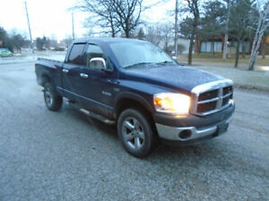 2008 Dodge Ram 1500 HEMI SXT 4X4 Pickup Truck - *PRICED TO SELL*