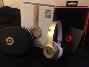 Gold Beats Solo 3 perfect condition