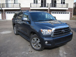REDUCED x4 - 2010 Toyota Sequoia / only 109k