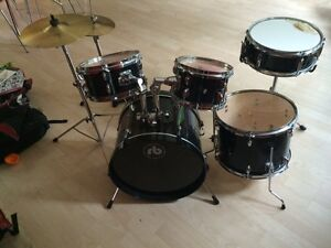 Drum  / Percussion