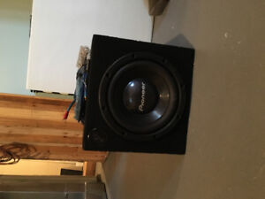 """Pioneer 12"""" subwoofer with Alpine amplifier and cables"""