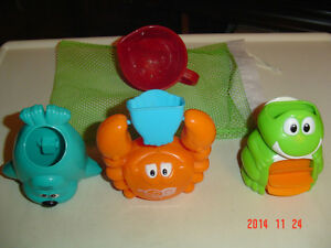5 PC. TODDLER BATH TIME TOY KIT WITH HANDY DRYING BAG Windsor Region Ontario image 1