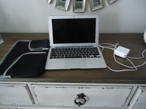 Excellent Condition MacBook Air 11.6 inch Screen $600