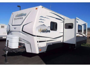 REDUCED! 2009 Frontier Wilderness 27rbs $12,500OBO