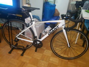 GIANT DEFY FULL CARBON (S)53cm Frame Road Bike for Sale $1,600