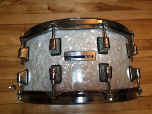 Snare Taye 6.5 x 14 - 10 lugs - White pearl - Nice snare!