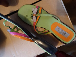 Women's thongs, green with butterfly notif, real cute, sz.10