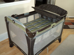 Graco Pack'n Play Travel Crib
