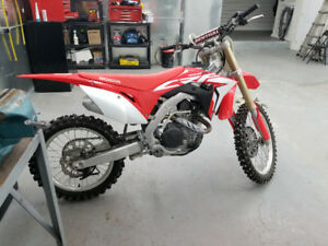 2017 crf 450 . Only ridden one time !