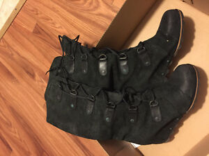 Sorel Joan of Artic Black Suede Wedge Leather Boots
