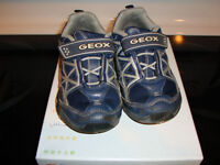 chaussures Geox pour garcon taille 26