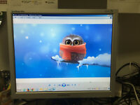 19' LCD flat monitor - great condition - pick up Barrhaven
