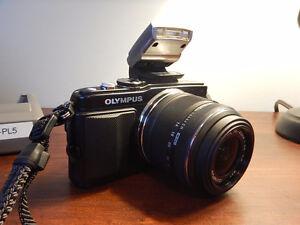 Olympus E-PL5 Micro 4/3 Camera Bundle (3 lenses) Mint