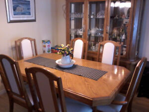 Dining room set /6 chairs