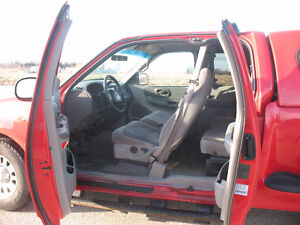 1999 Ford F-150 XLT with Leer Cap **SAFETIED & E-TESTED** Kitchener / Waterloo Kitchener Area image 6
