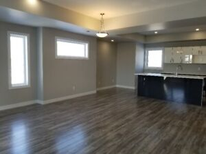 NICEST 3 STOREY CONDO-DELUXE KITCHEN-TONS OF UPGRADES-SAFE AREA.