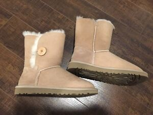UGG BOOTS BAILEY BUTTON West Island Greater Montréal image 1