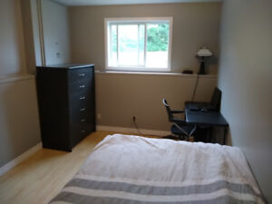 Room for rent student sublet Sept-Dec uwindsor