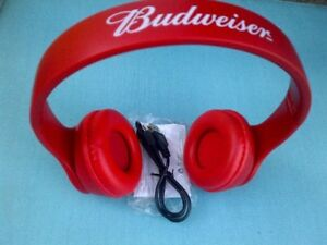 BRAND NEW BUDWIESER BLUE TOOTH CORDLESS HEAD PHONES