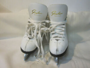 Girl's Figure Skates Youth Size 11 (Jackson) with MK III Blades