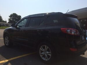 URGENT- 2011 Hyundai Santa Fe GL VUS