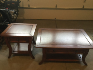 GORGEOUS COFFEE TABLE AND 1 END TABLE