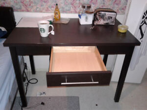 Brand new matching desk and side table