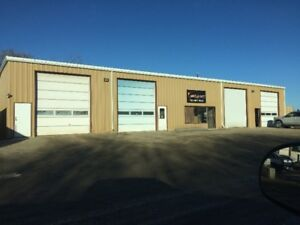 SHARE A SHOP!!! RENT FOR $1000.00/MONTH + GST IN STONY PLAIN