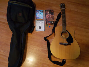 Yamaha F-310 Acoustic Guitar