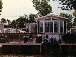 Cottager - Beautiful Waterfront location -Picton Sandbanks beach