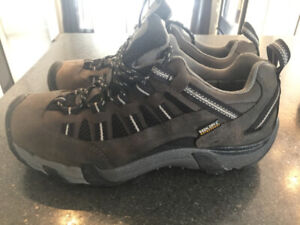 Chaussures plein air/montagne KEEN homme ou jeune (grandeur 8)