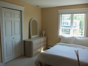 Clean Bright Furnished Room Dartmouth- Rooms have been Rented