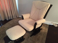 Deluxe Glider and Ottoman