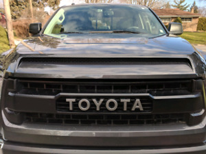 2017 Toyota Tundra DC 5.7l TRD Off-road with many extras