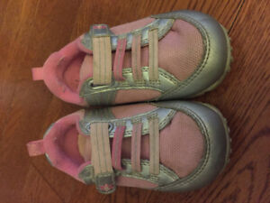 Girls size 5 shoes