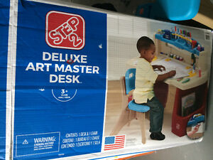 Step2 Master Art Desk- new in box