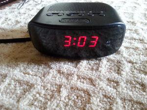 Clock radio Peterborough Peterborough Area image 1