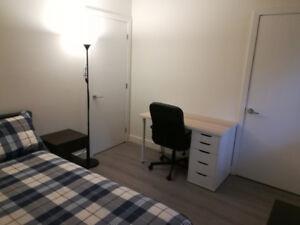 Chambre à louer Ile des soeurs / Room for rent Nuns Island