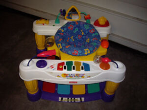 FISHER PRICE STAY AND PLAY WALKER